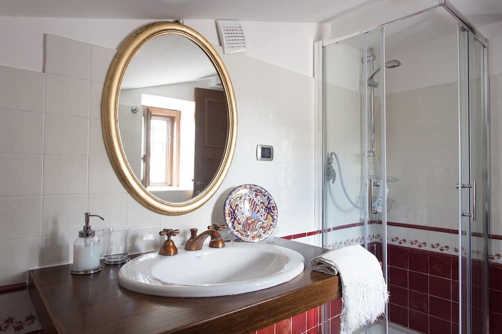 Familien-Doppel- oder -Zweibettzimmer, Stadtblick (3) - Badezimmer
