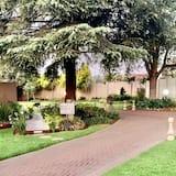 Bahçe Manzaralı
