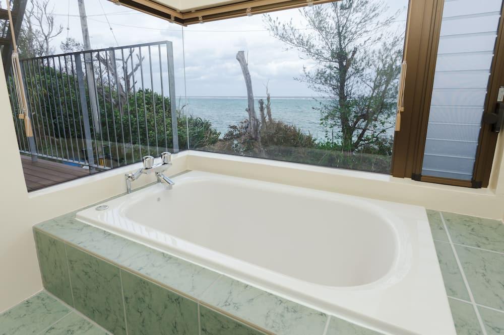 グリーンルーム - 深めの浴槽