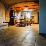 Tradičný loftový byt, kuchynka - Stravovanie v izbe