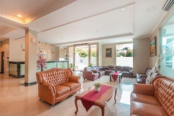 Curug bölgesindeki OYO Flagship 2131 Hotel Binong resmi
