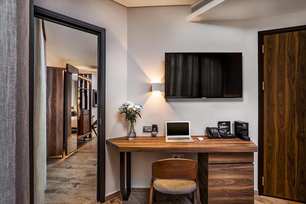 Familien-Suite, Stadtblick (Connected) - Wohnbereich