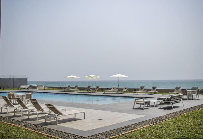 Waves Luxury Apartments, Monrovia