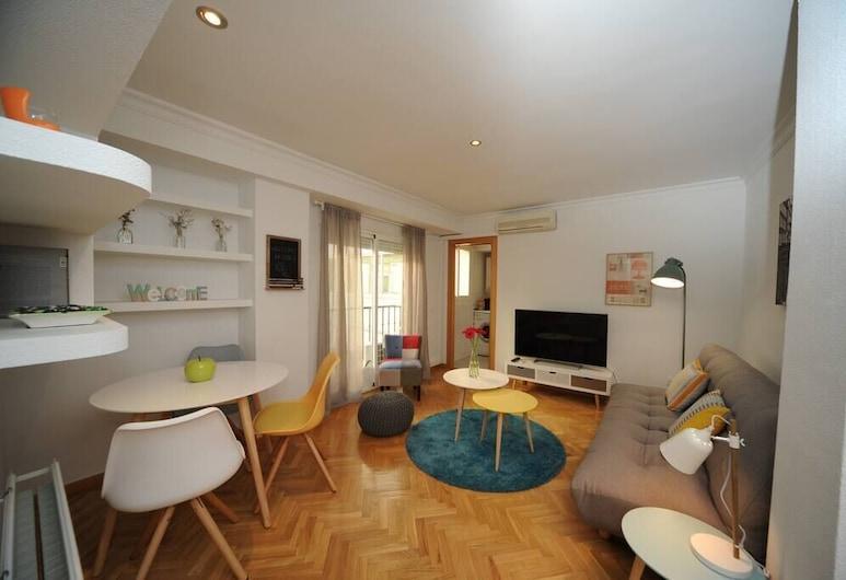Acogedor Piso en el Centro con Garaje, Madrid, Apartment, 1 Bedroom, Living Area
