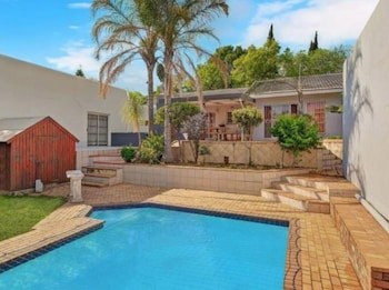 Picture of Red Dot Lodge in Randburg
