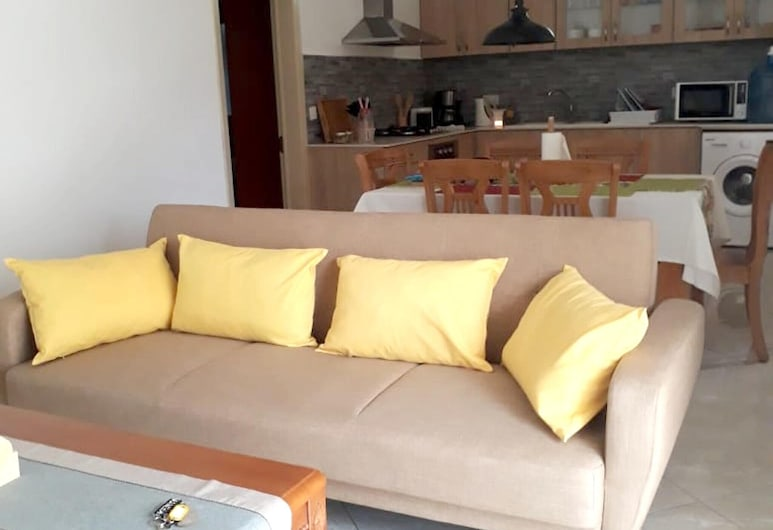Apartment With 2 Bedrooms in Flic en Flac, With Wonderful sea View, Shared Pool, Furnished Garden, Flic-en-Flac