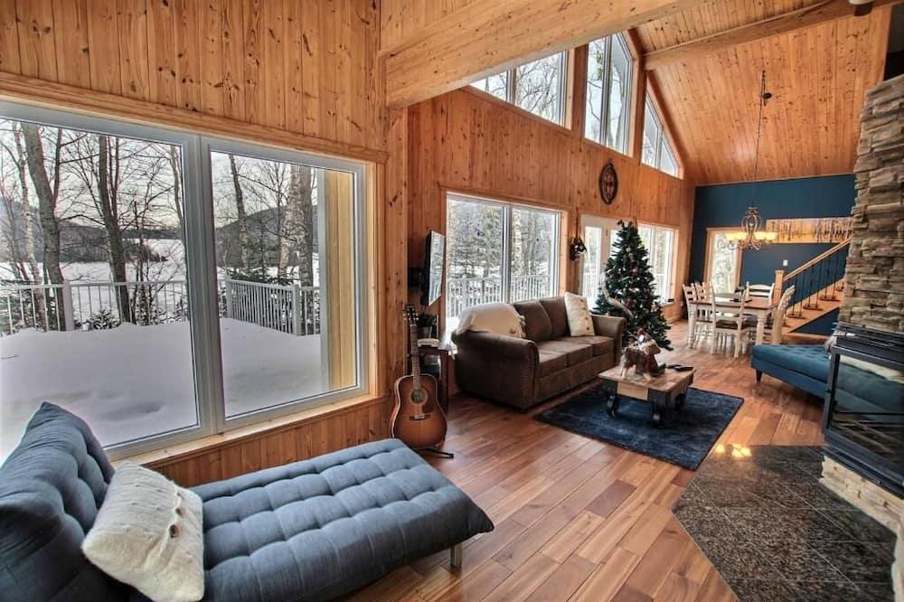 Chata, 3 ložnice, výhled na jezero - Obývací pokoj