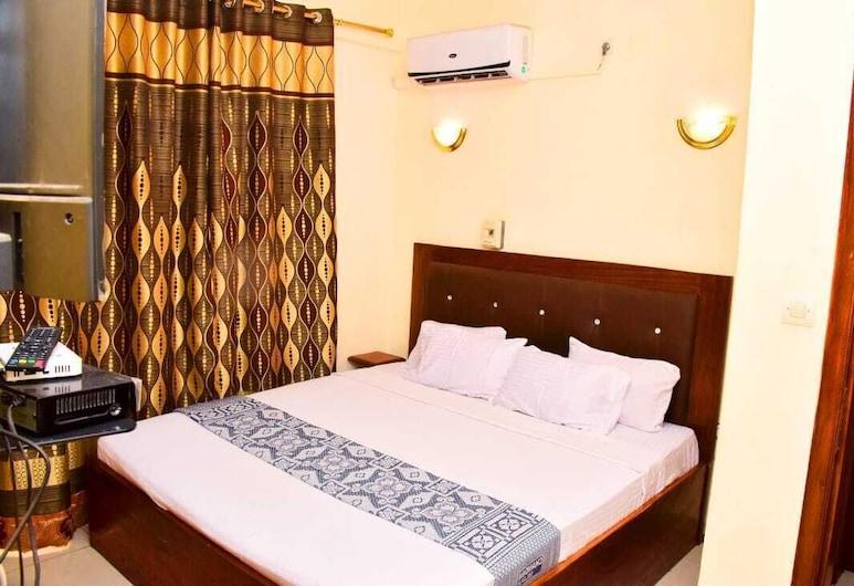 Hôtel Kin Comfort , Kinshasa, Deluxe Double Room, Guest Room