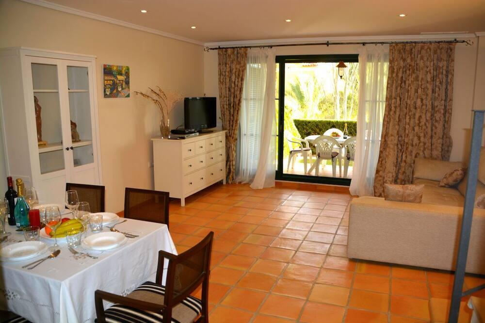 Bungalow, 2 slaapkamers, terras - Woonruimte