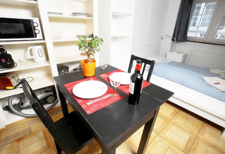 ZH Niederdorf I - Hitrental Apartment, Zúrich, Habitación