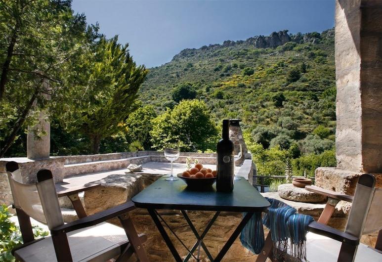 Milia Mountain Retreat, Kissamos, Grand Room, Terrace/Patio