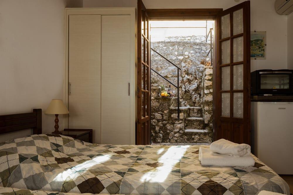 Standard tvåbäddsrum - Utsikt mot innergården