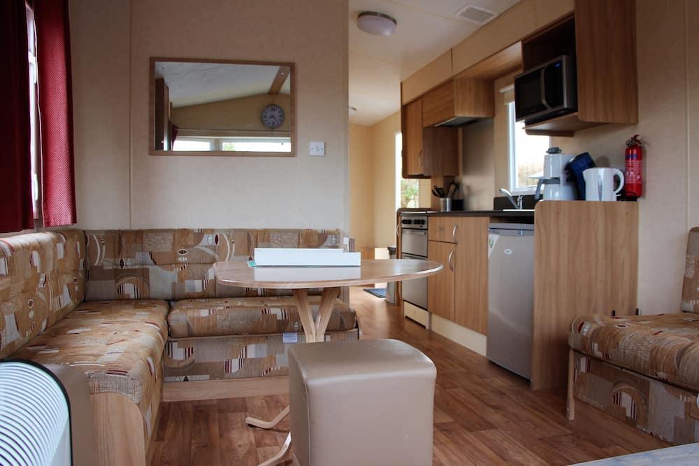 Mobil Karavan - Area Keluarga