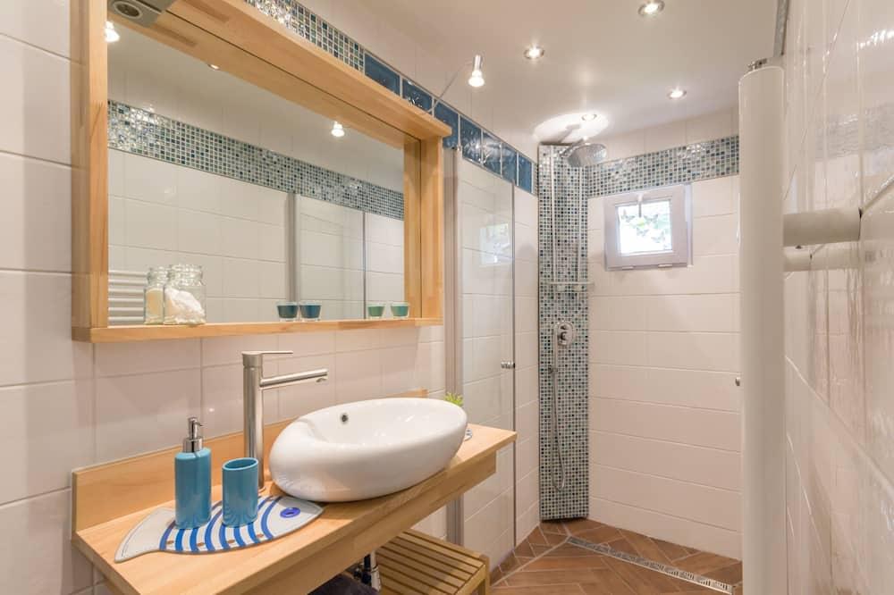Neljän hengen huone (Honorine) - Kylpyhuone
