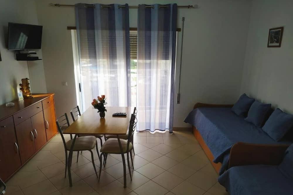 Căn hộ, 1 phòng ngủ, Hiên - Khu phòng khách