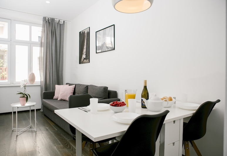 Bright and Charming Apartment Close to the Center, Vienna