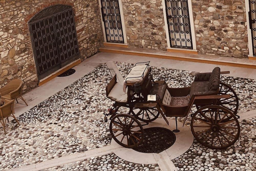 Basic trokrevetna soba - Balkon