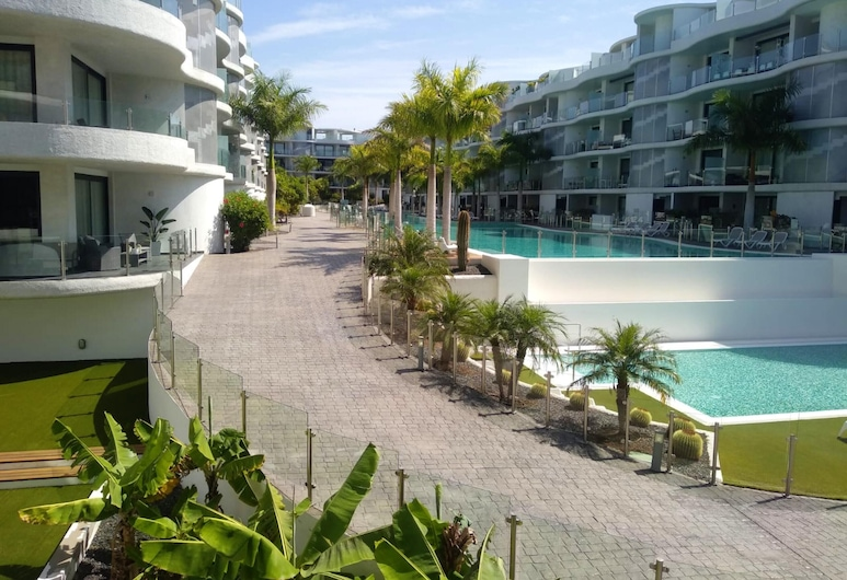 Apartment With 2 Bedrooms in Palm-mar, With Shared Pool and Wifi, Arona, Piscina