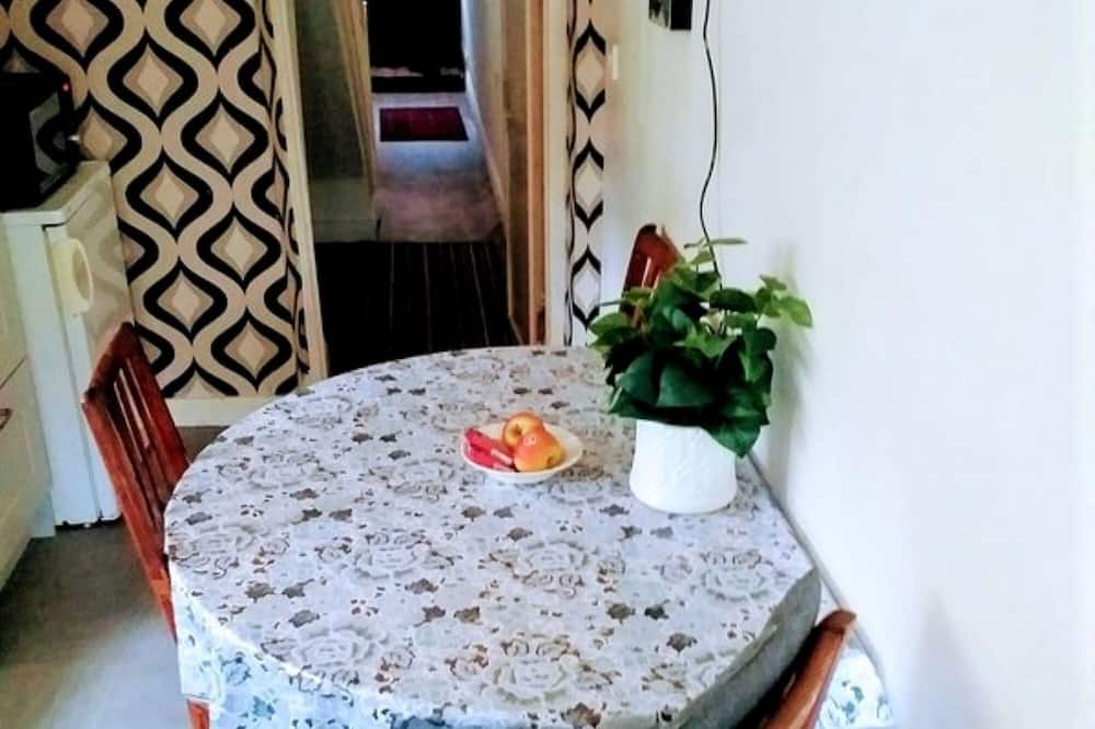 Two Bedroom Townhouse - In-Room Dining