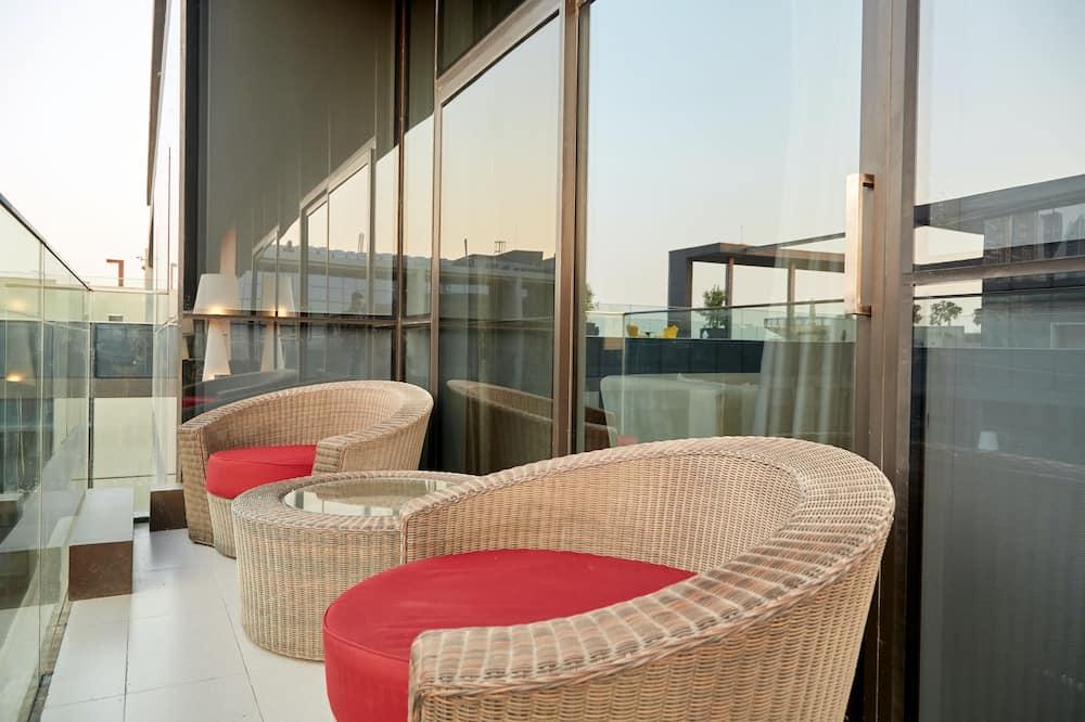 Augstākās klases luksusa numurs, divas guļamistabas, balkons - Balkons