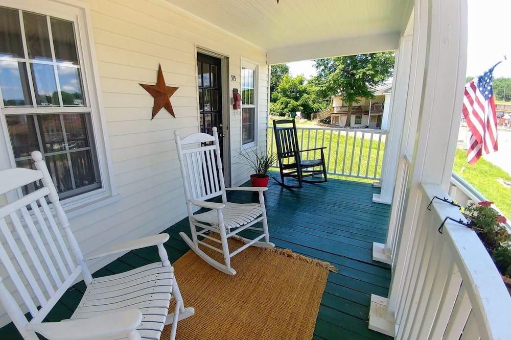 Domek (Cubs_Cottage) - Balkón