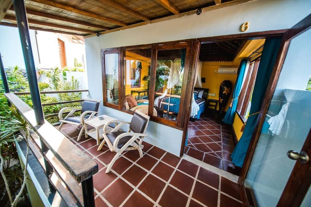 Junior Cabin - Balcony
