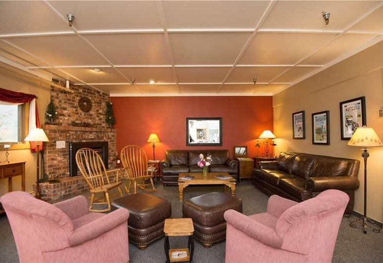 Hibernation House 103 1 Bedroom Hotel Room, Whitefish
