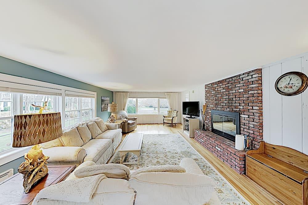House, 6 Bedrooms - Bilik Rehat