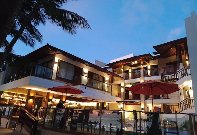 White Sand Boracay, Boracay Island, Hotel Front – Evening/Night