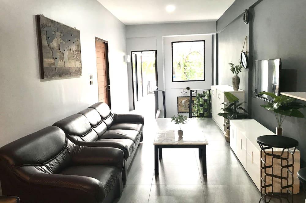 2-Bedroom Suite (2nd Floor) - 起居区
