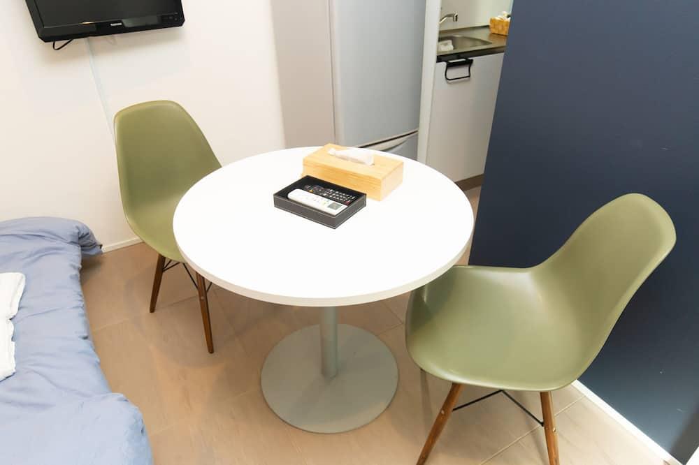 Standaard tweepersoonskamer - Eetruimte in kamer