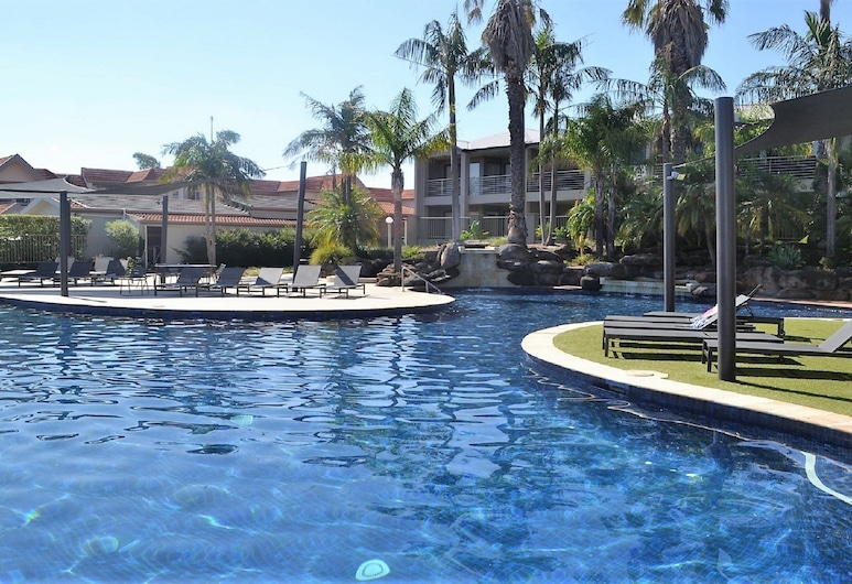 Cypress Waterview Spa Apartment - 37B, Mulwala, Outdoor Pool