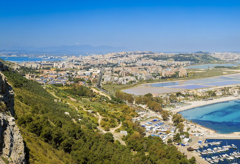 Birkin Marina, Cagliari, Exterior