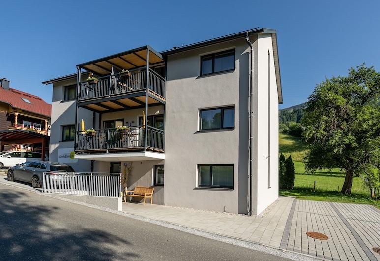 Lavish Apartment in Sankt Georgen With Balcony, Bruck an der Grossglocknerstrasse