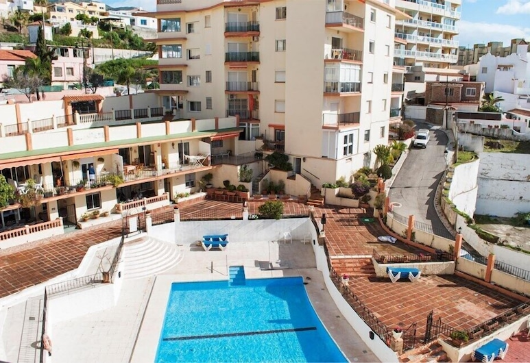 Beachfront Vacation Apartment in Fuengirola Ref 102, Fuengirola, Açık Yüzme Havuzu