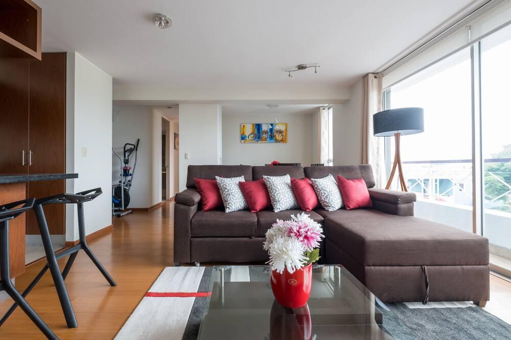 Design Apartment, 2 Bedrooms, Kitchen, City View - Living Room