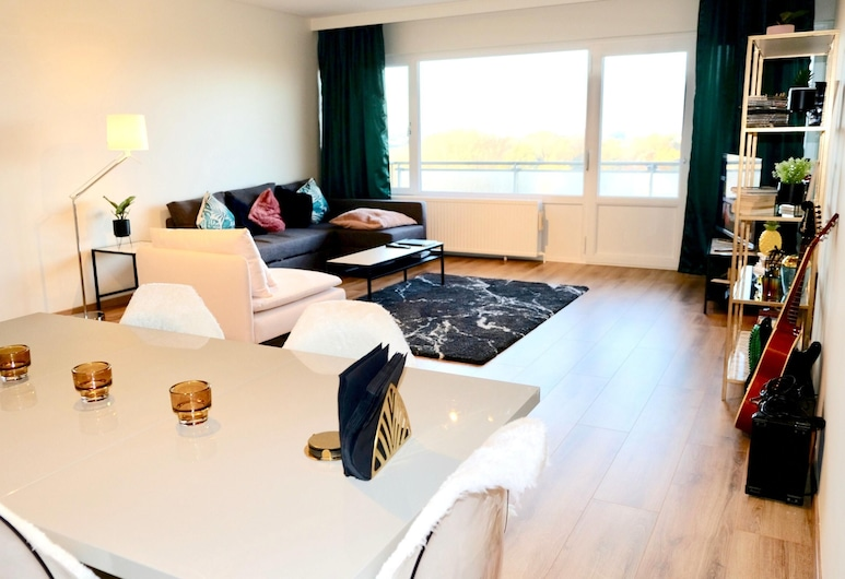 Apartment With 2 Bedrooms in Molenbeek-saint-jean, With Wonderful City View, Furnished Balcony and Wifi, Brussels