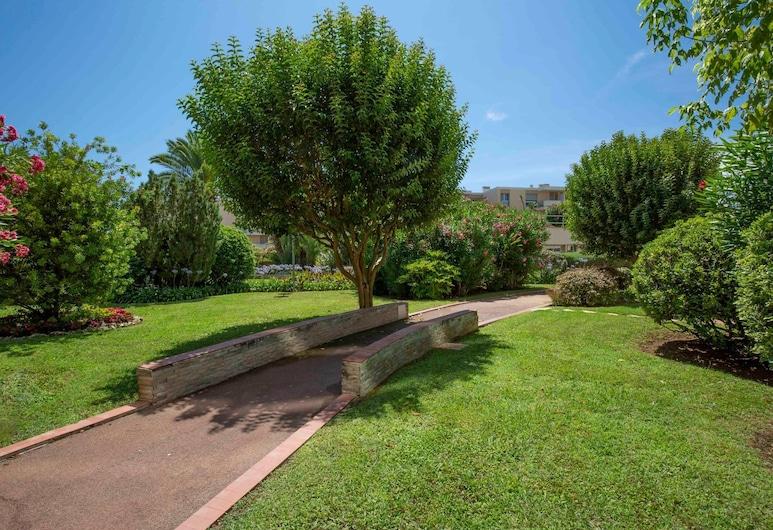 BNB Renting Résidence Les Pins, Cannes, Appartement (Cute studio on level garden right nex), Terrein van accommodatie