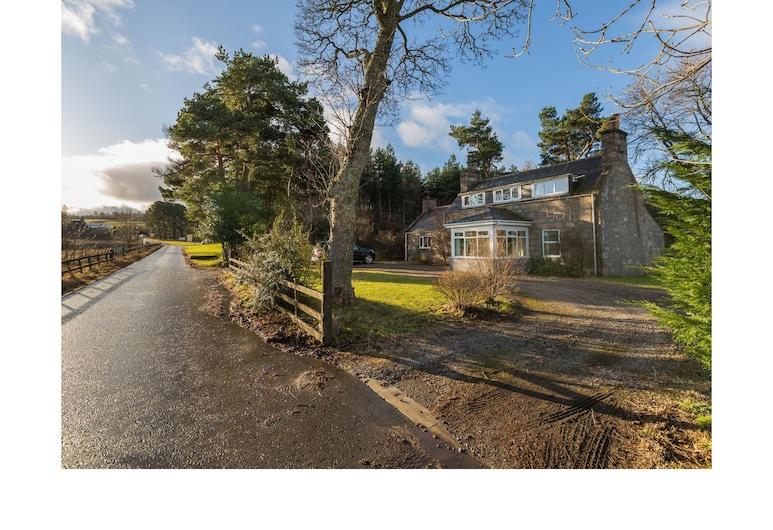 Woodburn Cottage, Aberlour, Cottage, Accessible, Private Bathroom (Whole House), Garden