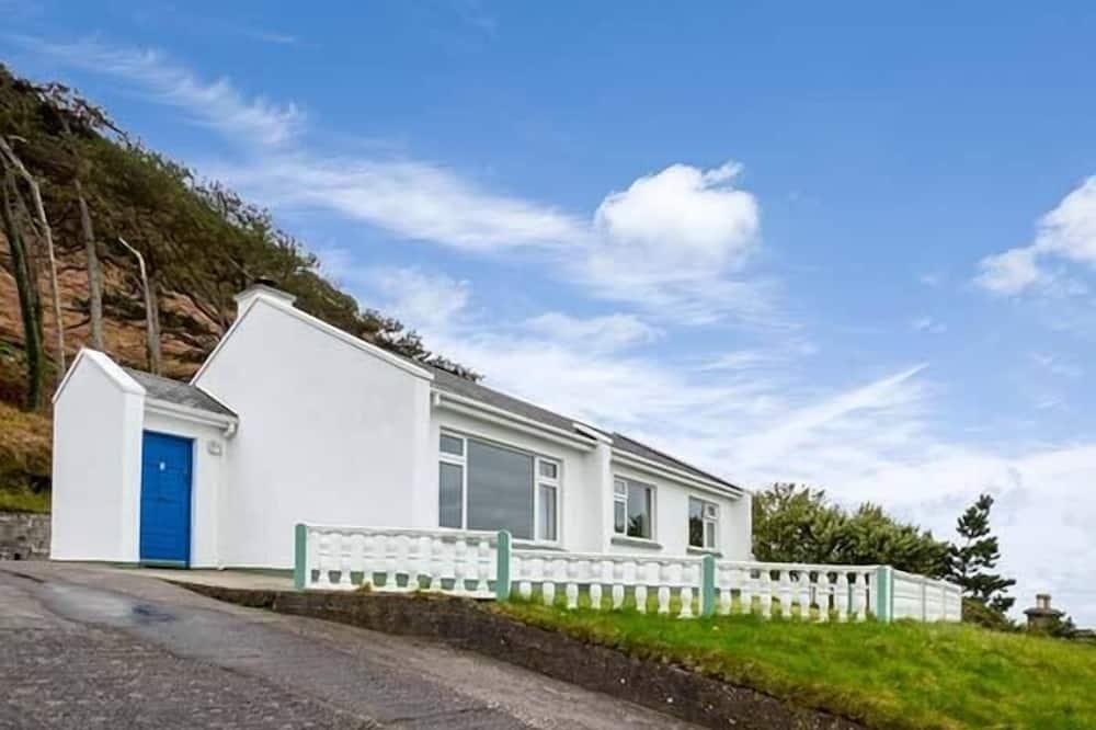 Rossbeigh Beach Cottage No 6, Glenbeigh