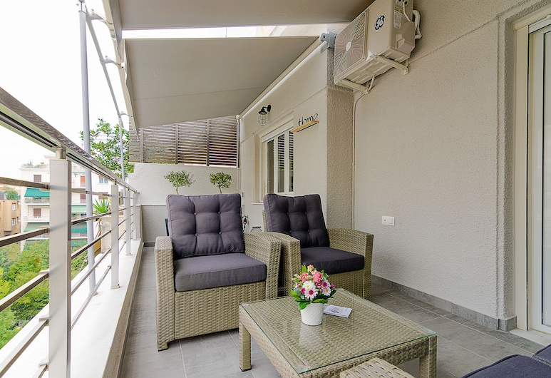 Chic Penthouse for 4 people in Kolonaki, Athens, Apartment, Balcony
