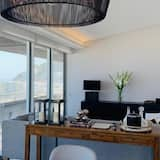 Luxury Penthouse, 2 Bedrooms - Living Room