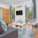 アパートメント 3 ベッドルーム バルコニー - リビング ルーム