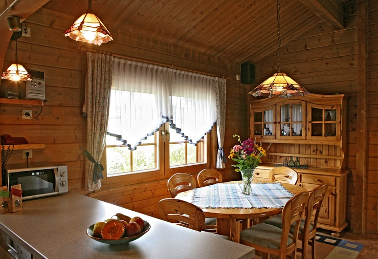 Paltian Ferienhäuser, מוטן, קוטג', 2 חדרי שינה, מרפסת (Anja), סלון