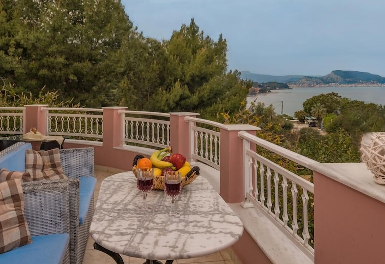 Vicky's Luxury Apartment with Sea View, Zakynthos