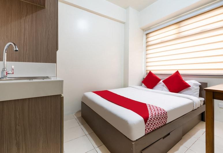 OYO 474 UrbandecaTower316 NizamiCondotel, מאנדאלויונג, חדר סטנדרט זוגי, חדר אורחים