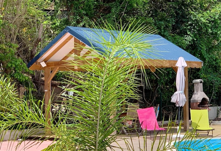 Apartment With one Bedroom in Le Gosier, With Shared Pool, Enclosed Garden and Wifi, Le Gosier, Sundlaug