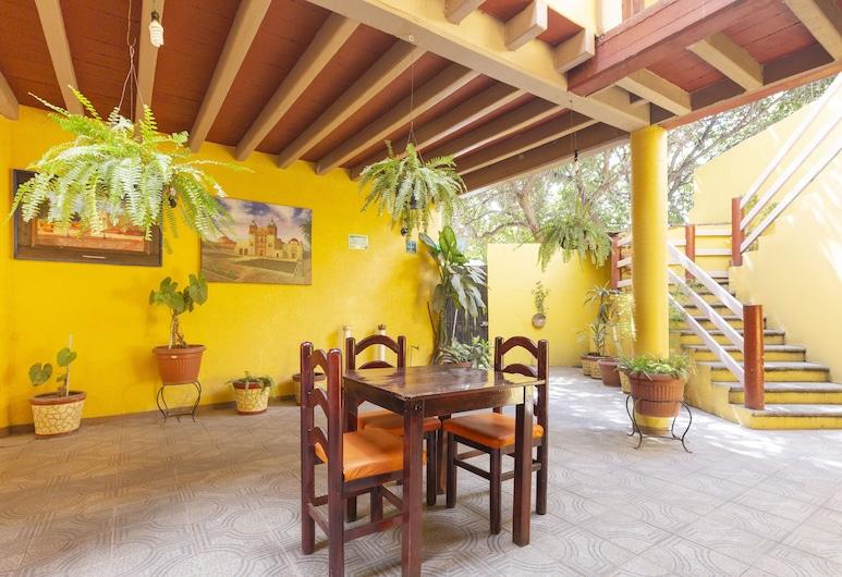 Hotel Posada San Rafael, Oaxaca, Verönd/bakgarður
