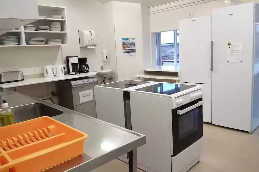 Economy Cabin, Shared Bathroom (For 2) - Shared kitchen