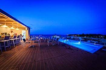 Фото Porto Planos Beach Hotel у місті Закінф